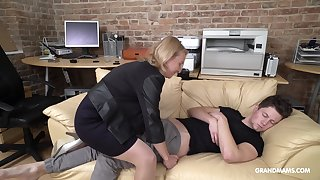 Load of shit starved mature German lady wakes up her stepson with voiced sex