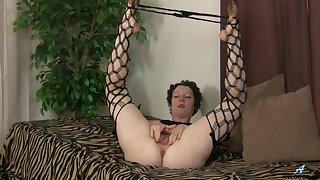 closeup video of mature amateur Artemisia identity card her hairy cunt