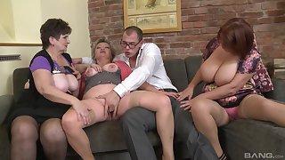 Dirty orgy between amateur dudes added to Jarmila Mautskova & Pavlina Skoumalova