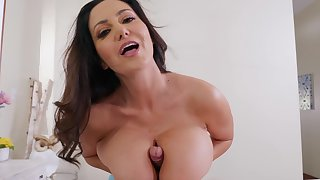 Lovable closeup mad about simian the busty stepmom