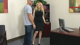 Chesterfieldian gilded cissified chief Kagney Linn Karter fucks new employee right out of reach of the table