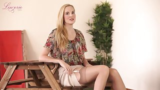 Quite long-legged blonde slut Ariel Anderssen loves posing in her glum skivvies