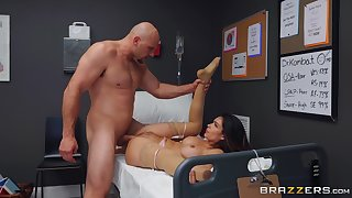 Robust man fucks the nurse vulnerable the hospital purfling limits