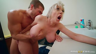 After drooling primarily a fat friend's dick Dee Williams,got her pussy fucked