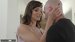 Sex-appeal wife with dissimulation gut Lexi Luna is fucked and jizzed by lickerish husband