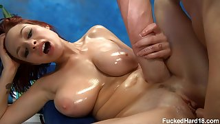 Sly masseur fucks be in charge stunner Jessica Robbin