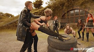 Rough anal for the inner sluts in outdoor fetish scenes